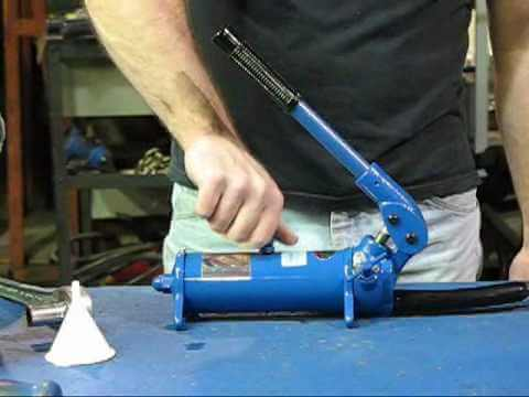 Porter-Ferguson Service Video 2, Pump Oil Filling Instructions